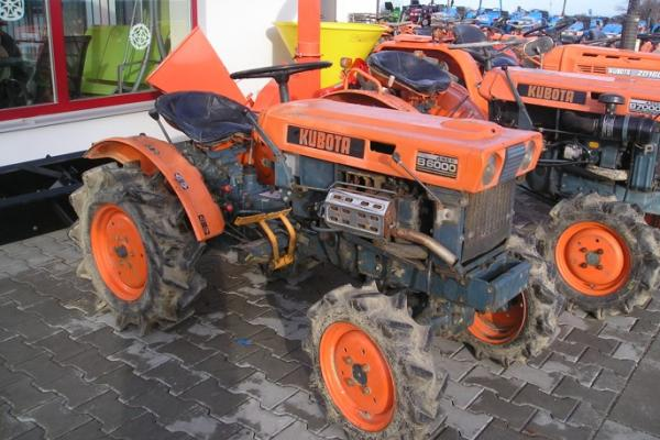 Malotraktor Kubota B6000 - Click to view the picture detail.