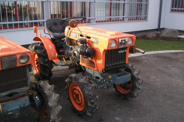 Malotraktor Kubota B6001 - Click to view the picture detail.